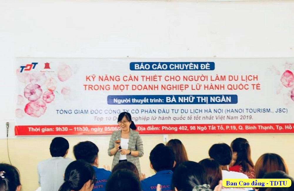 Cô Trần Thị Bích Duyên giới thiệu đề dẫn